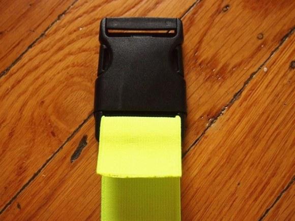 how to cut elastic plastic