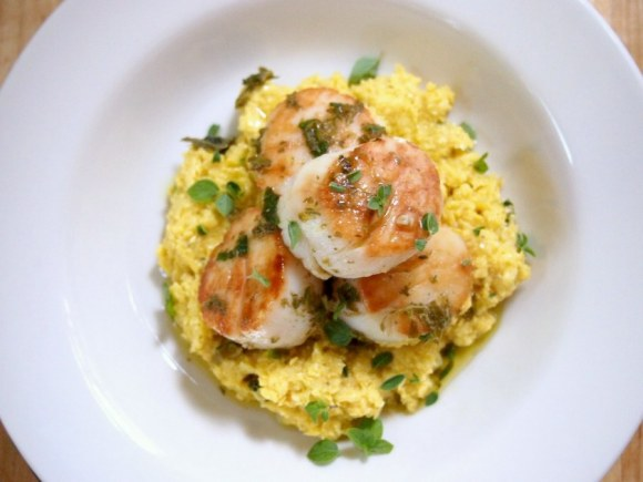 seared scallops with fresh corn polenta | what i do